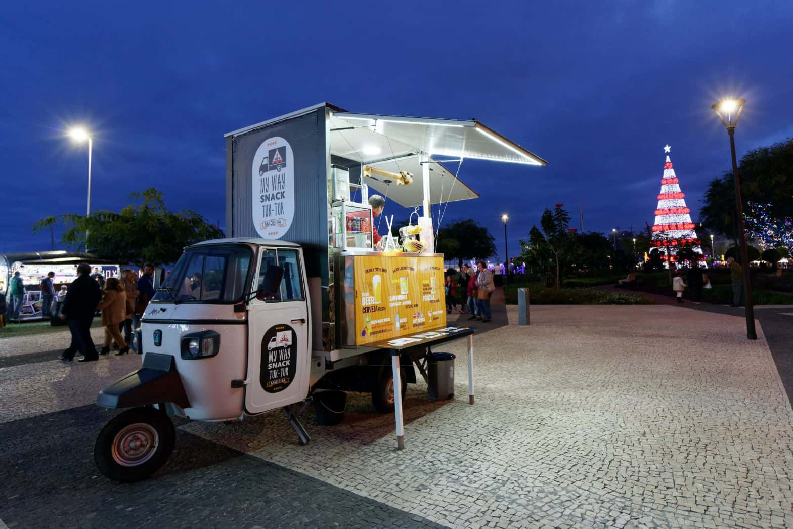 food truck at night with online ordering